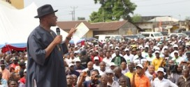 At APC rally, Amaechi carpets Mbu, insists $48b oil money stolen
