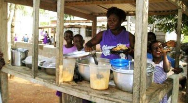 Expert Warns Against Consumption of Food From Roadside Vendors