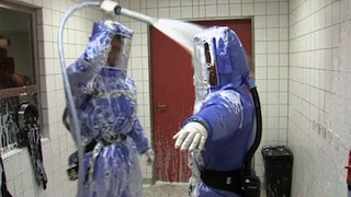 Texas health worker with Ebola wore full protective gear