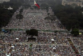 Pope Francis in Manila: Six million attends outdoor Mass