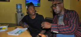 Lil-Kesh-left-with-Mr-Adeyinka-Adeboye-Senior-Special-Assistant-on-Sports-to-Lagos-State-Governor-504x336 (1)