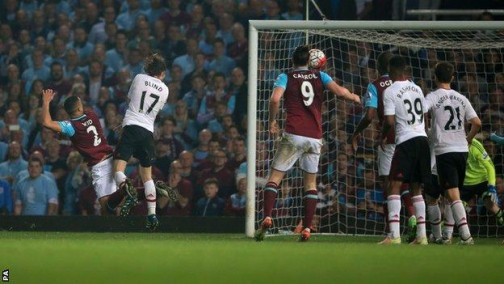 West Ham ends Upton Park stay with win over Man Utd