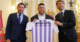 Ronaldo with Real Valladolid chiefs