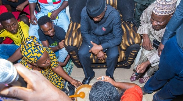 VP commences door2door campaign at Jimiku family compound in Karu abuja